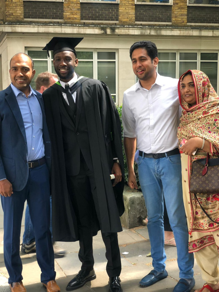 Segui, le fils de Youssou Ndour, décroche son Bachelor of Arts à la Regents University de Londres
